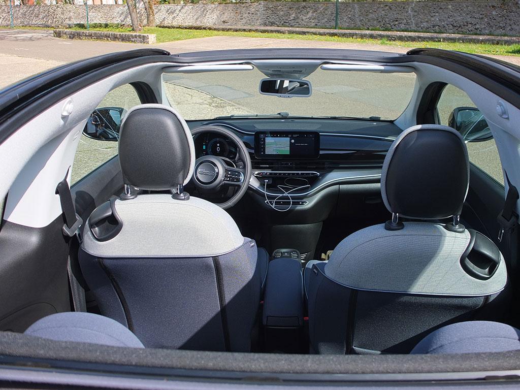 Fiat 500e électrique - intérieur du cabriolet